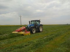 New Holland T6030 + Pottinger Novacat 302