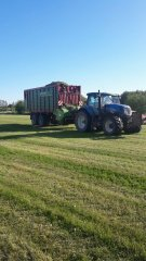 New Holland T7040& Strautmann Tera-Vitesse 4601