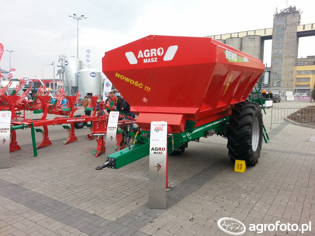 Agro-MaszREWO 8200