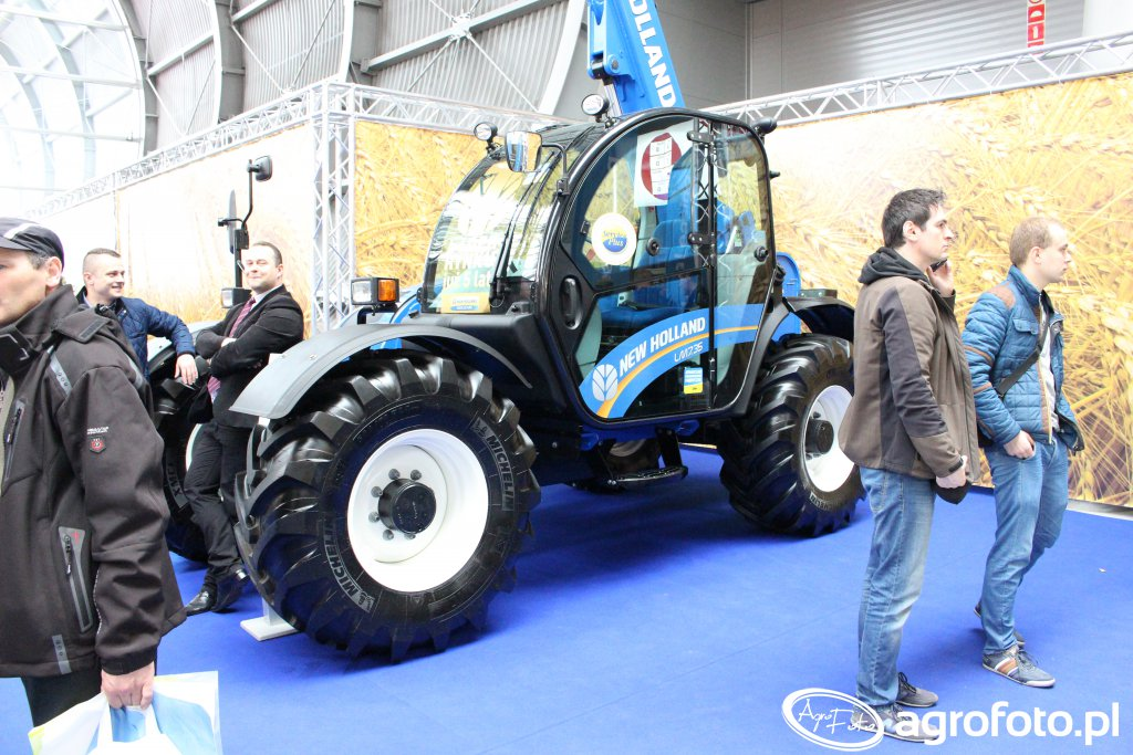 New Holland LM7