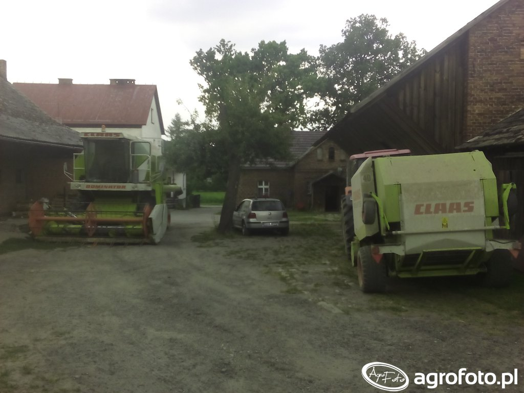 Claas Dominator 88s + Claas Rollant 255 RC