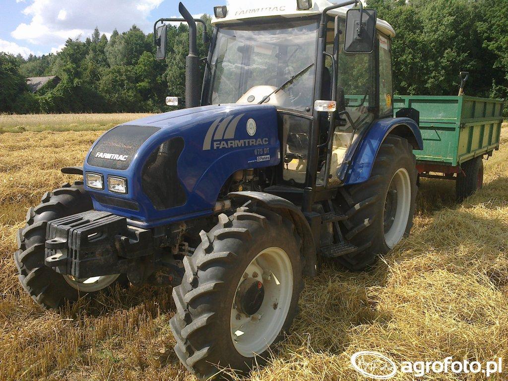 Farmtrac 675 DT + przyczepa