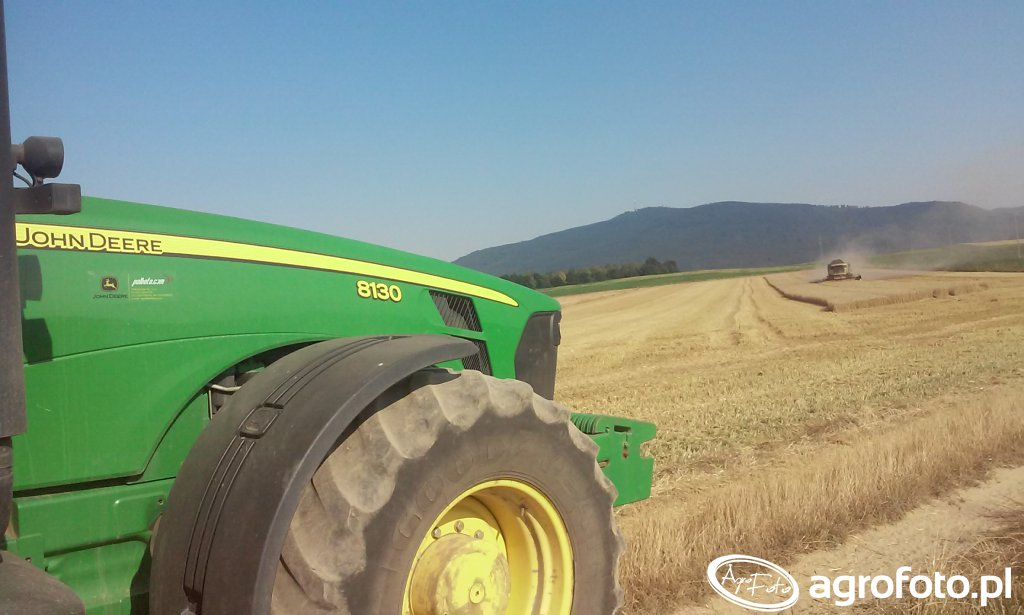 John Deere 8130 & New Holland Cx 6080
