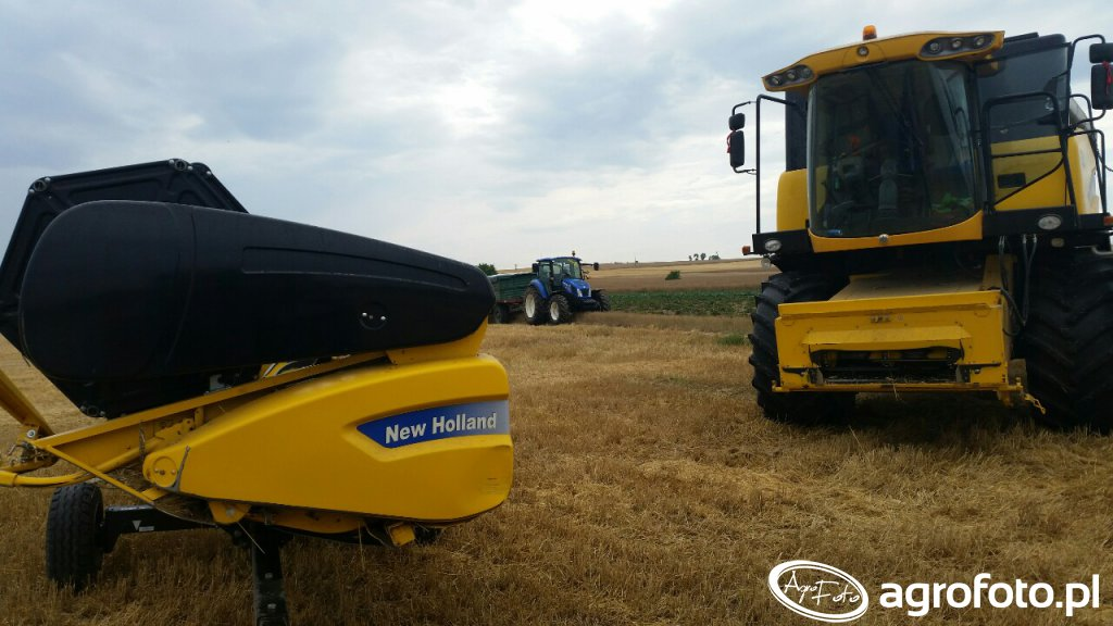 New holland cx5080  t4.95
