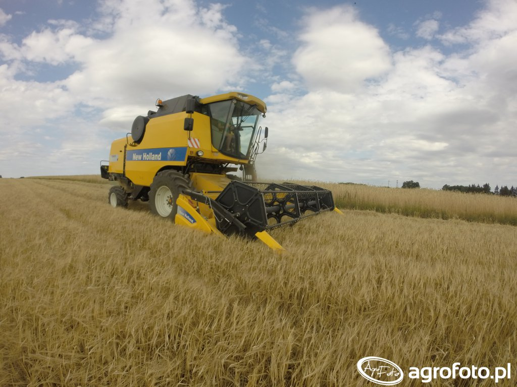 New Holland TC5070RS