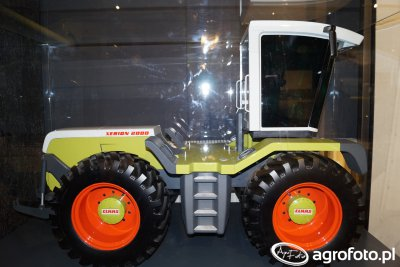 Claas Xerion 2000