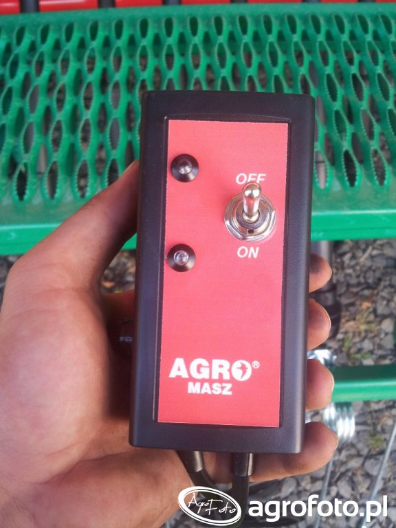 Elektryczny sterownik ścieżkowania - Agro-Masz SR