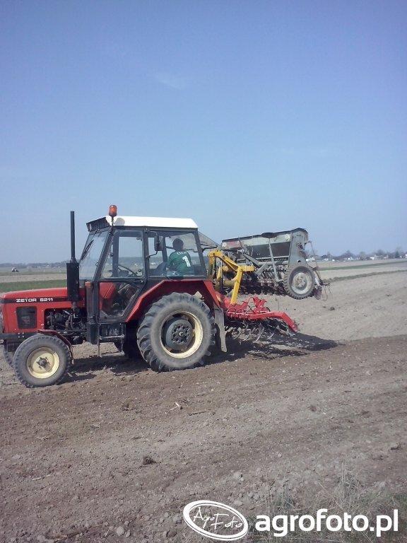 Zestaw uprawowo-siewny,siew mieszanki zbożowej + trawy