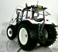 Model Valtra T234