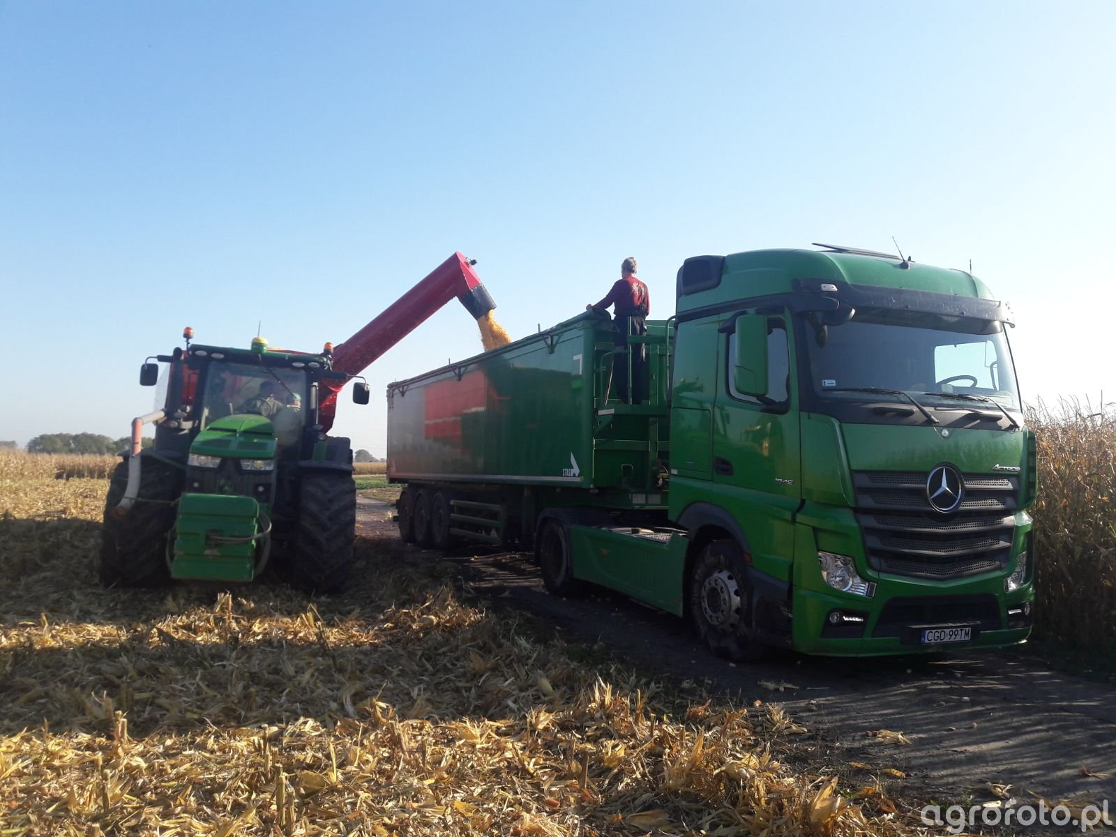 JD 8370r& HorshTitanUW34 + MB Actross EURO 4