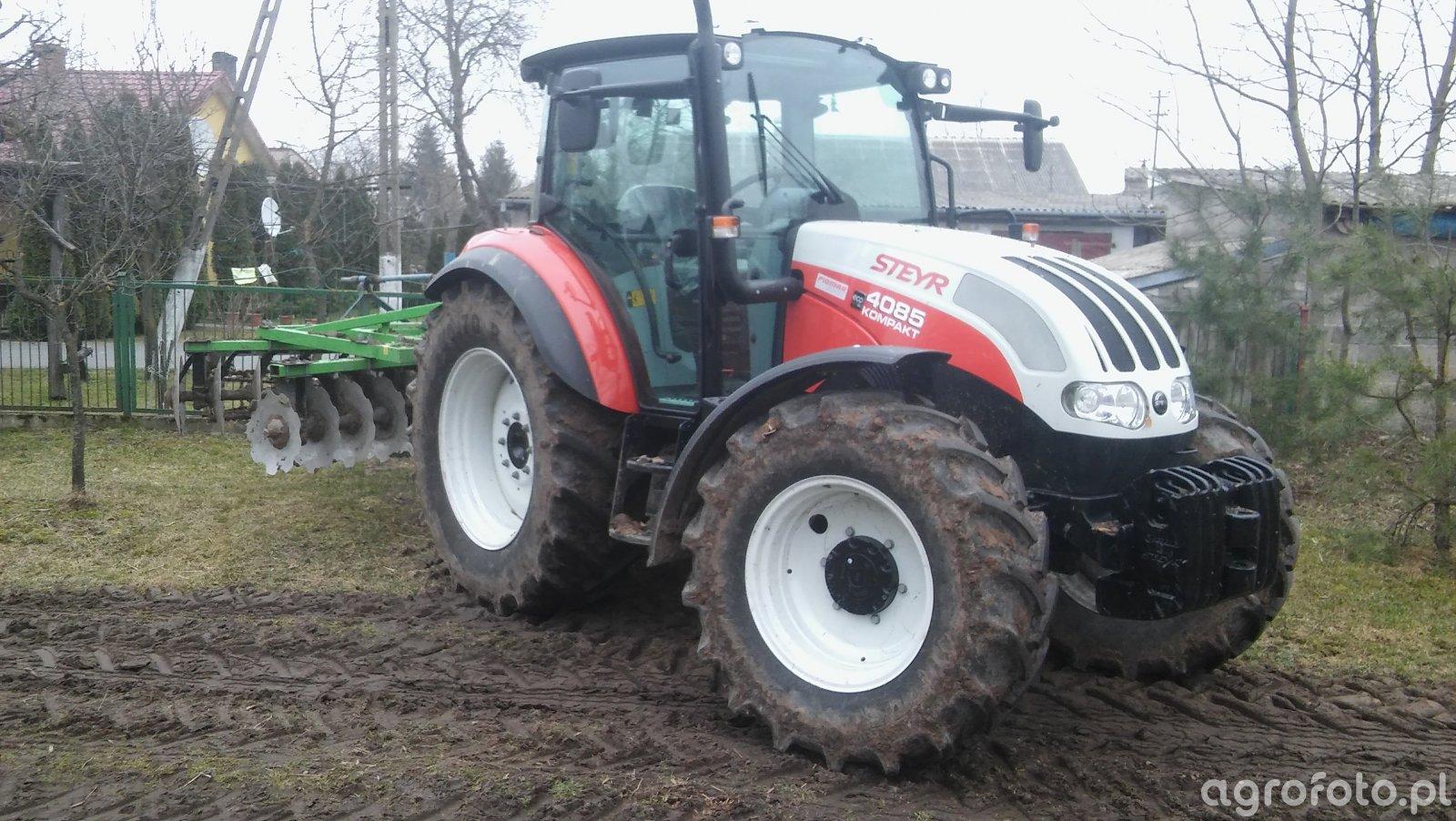 Steyr kompakt 4085