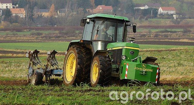 John Deere 3350 + Rabe Werk Supertaube Avant 160