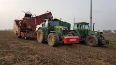 John Deere 6175R i Grimme SE 150-60