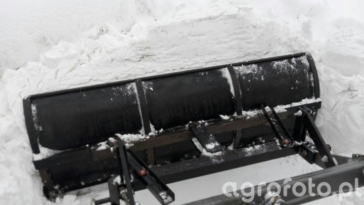 Pług tur c 330 vs śnieg