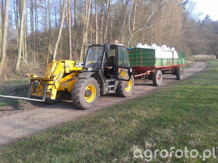 JCB 531.70 Agri & Przyczepa