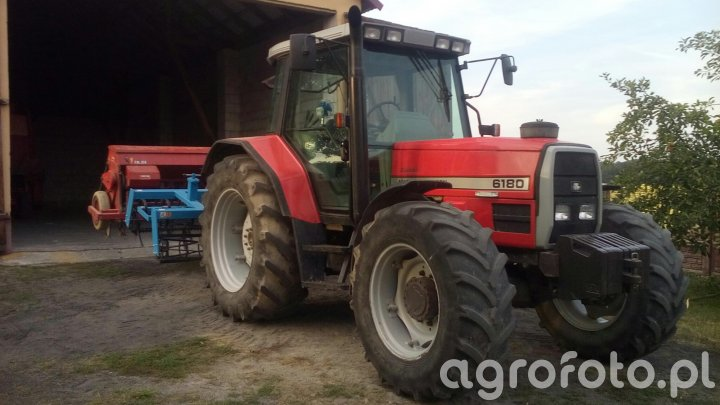 MF 6180 + Agro-Lift i Stegsted