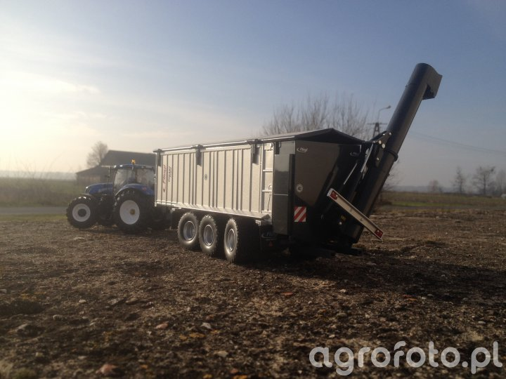 New Holland T7.270 & Fliegl ASW 391