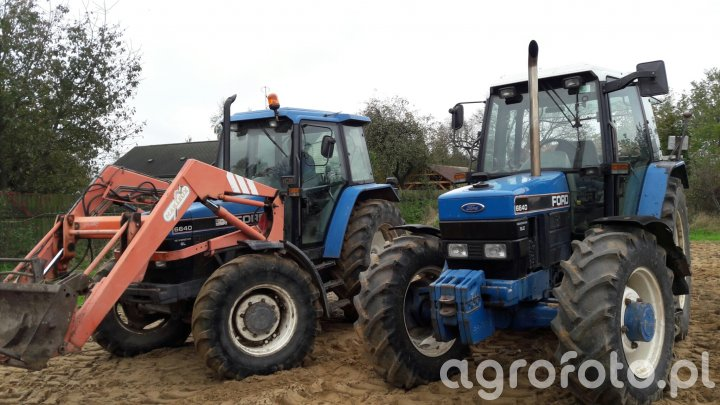 2x Ford 6640