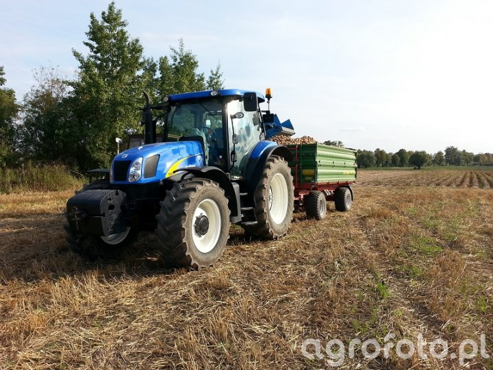 New Holland t6050 Plus i pronar 6t