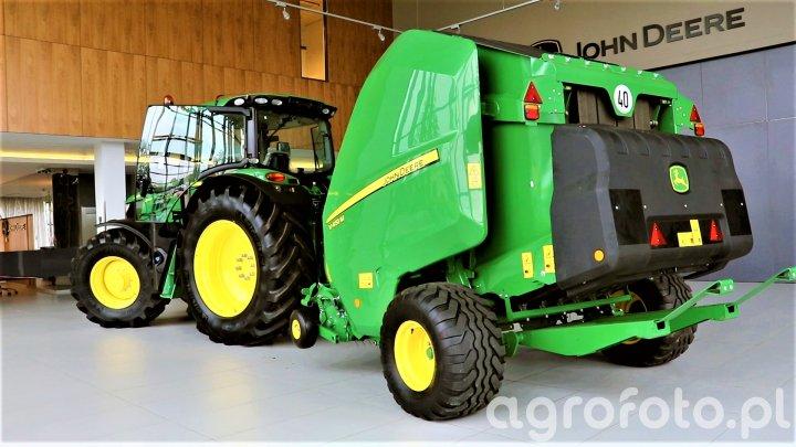 John Deere V451M