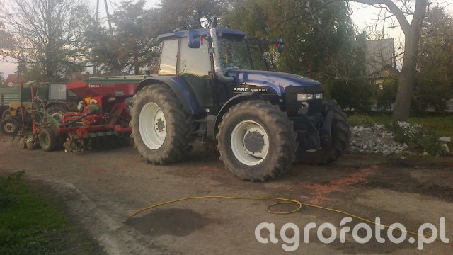 NEW HOLLAND 8560 i UNIA FOCUSNo