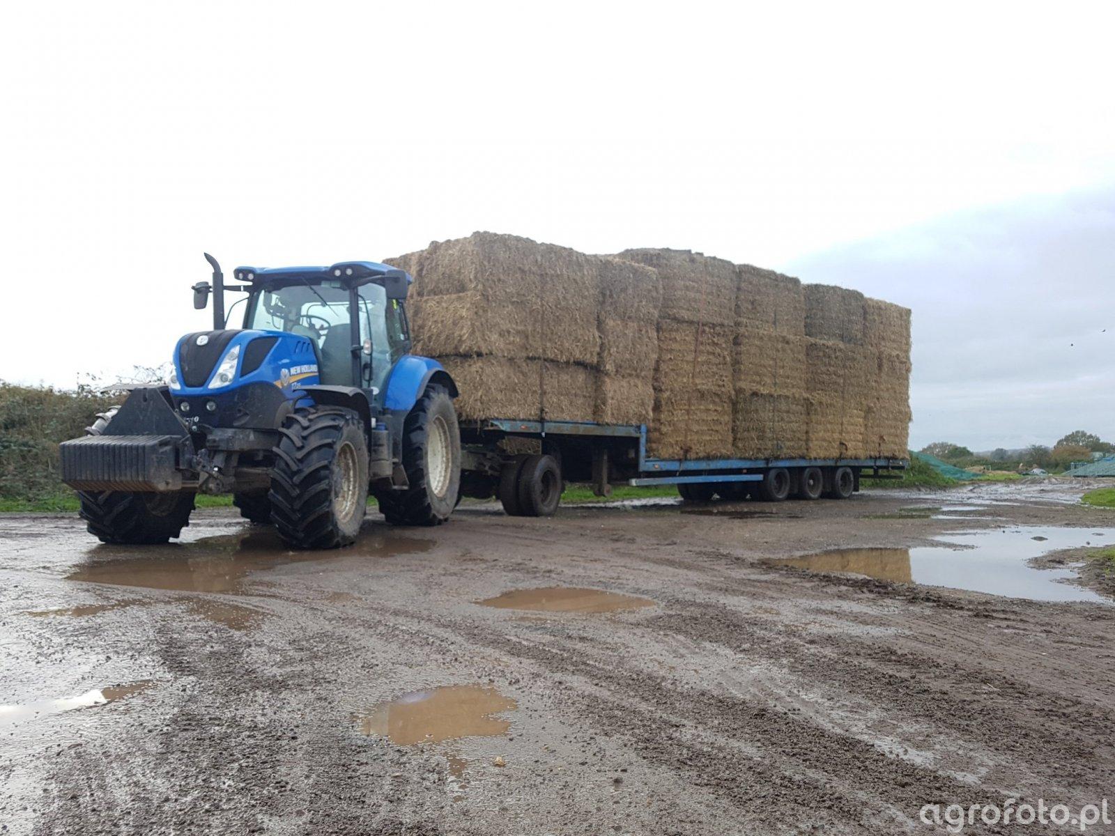 New Holland T7.210 i Słoma