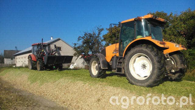 Renault Ares 620 i Farmer F8244-C2