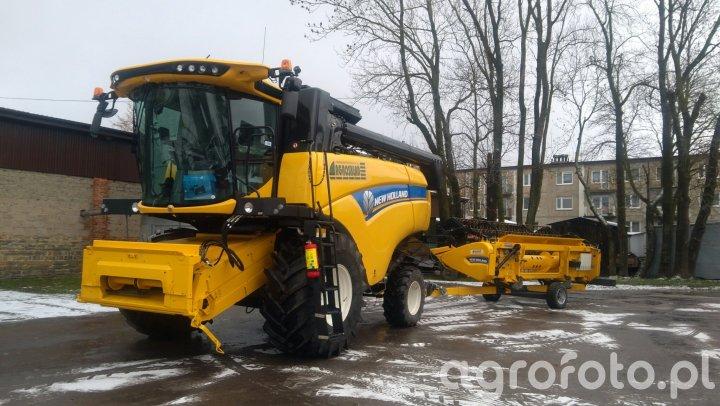 New Holland CX5.80 + Heder Varifeed