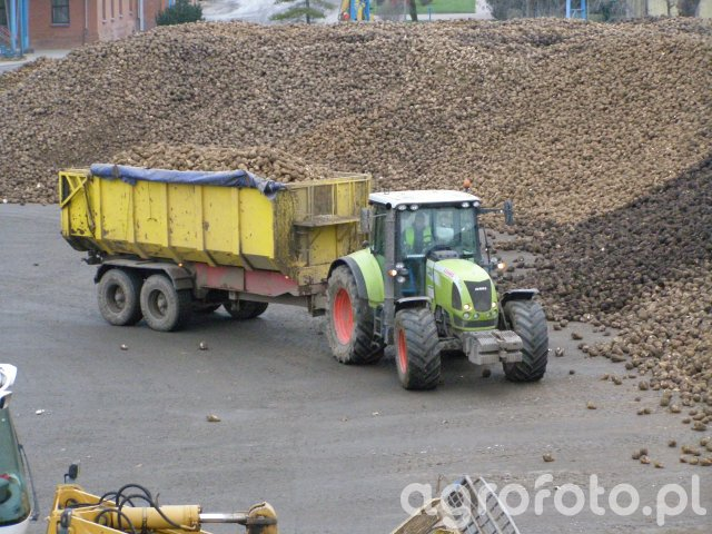 Traktory Claas