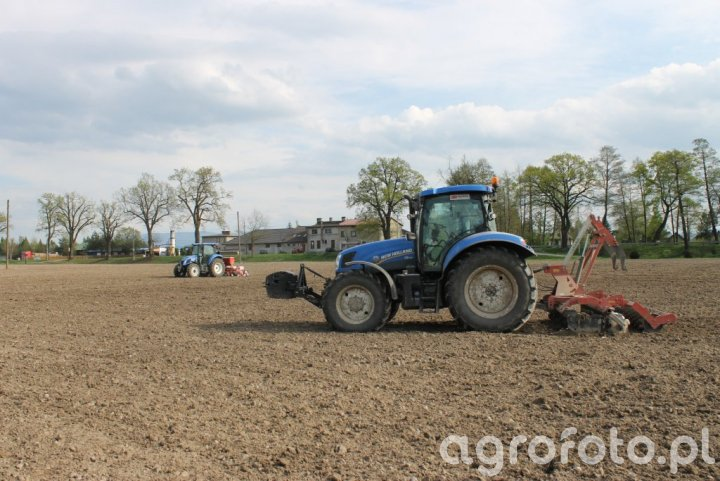 New Holland T6.155 + Grano System i New Holland TD5.75 + Kongskilde Variosem