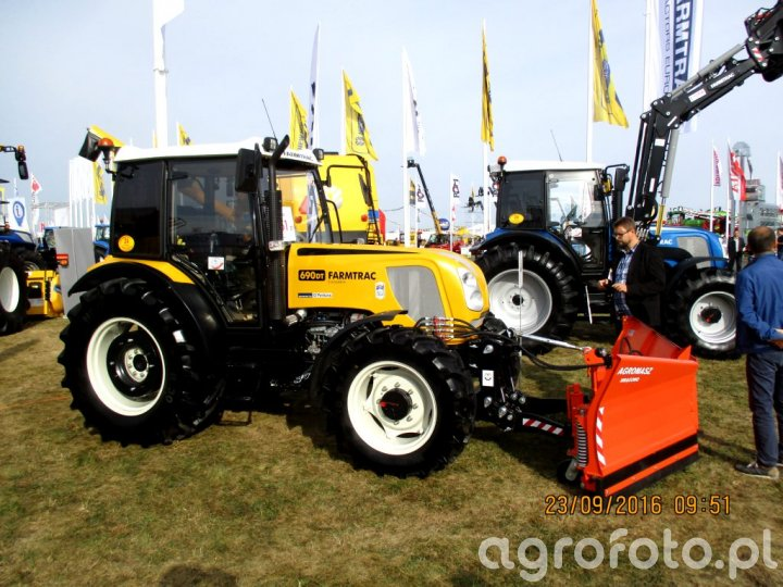 Farmtrack 690 DT