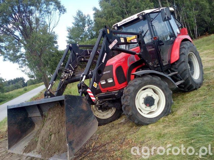 Farmtrack 675DT z turem