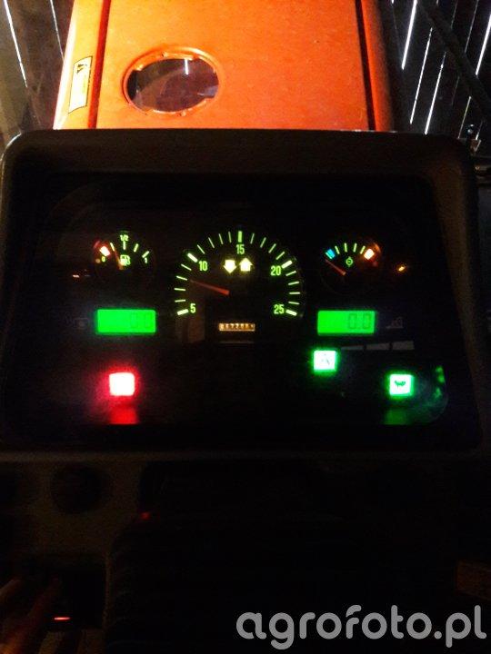 Zegary w Massey Ferguson 6265