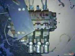 Rozdzielacz hydrauliczy renault 145.14