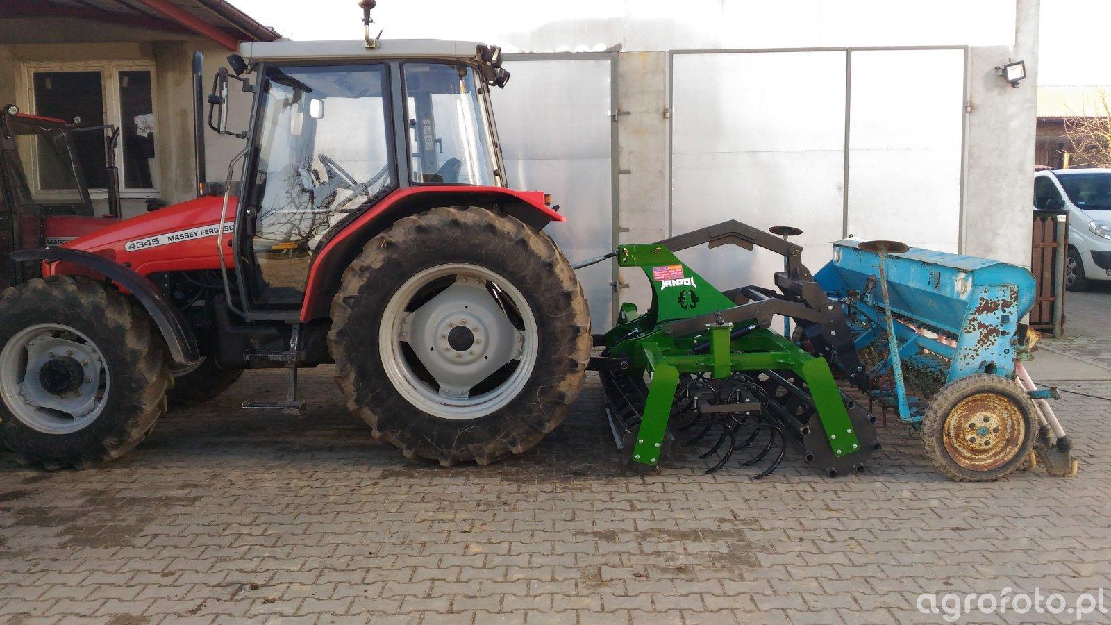 MF 4345 + Janpol 2,7m + Poznaniak 6