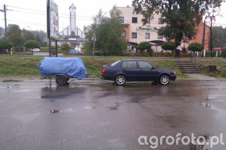 VW i przyczepka