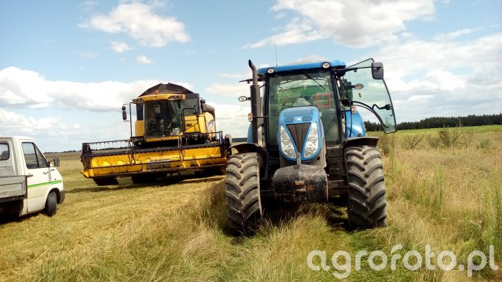 New Holland CX5080 i New Holland T6080