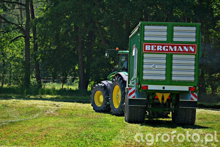 John Deere 7930 + Bergmann Carex