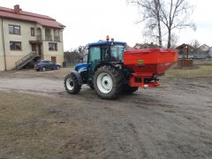 New Holland T4020 i Rauch MDS 19.1