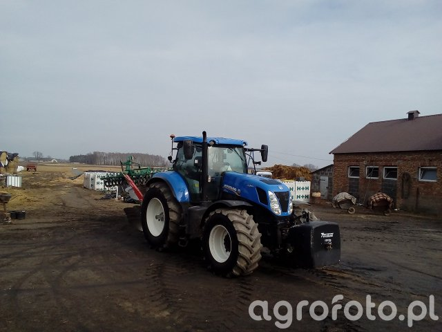 New Holland T7.270AC i Kverneland ES100