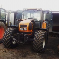 Renault ARES 815 RZ