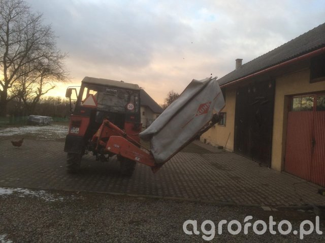 Zetor 5211 & kuhn