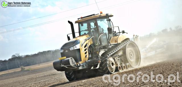 Traktory Challenger