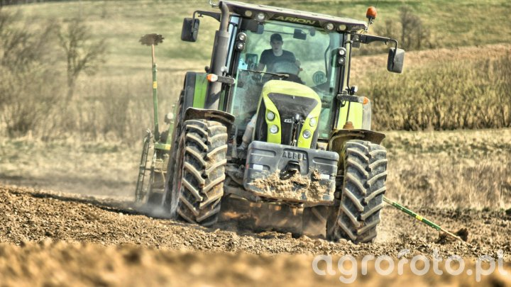 Claas Axion 640