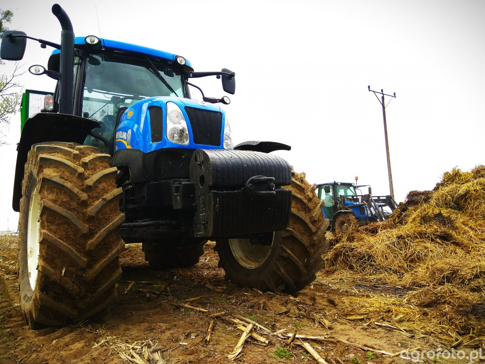 New Holland T6.165 & T5050