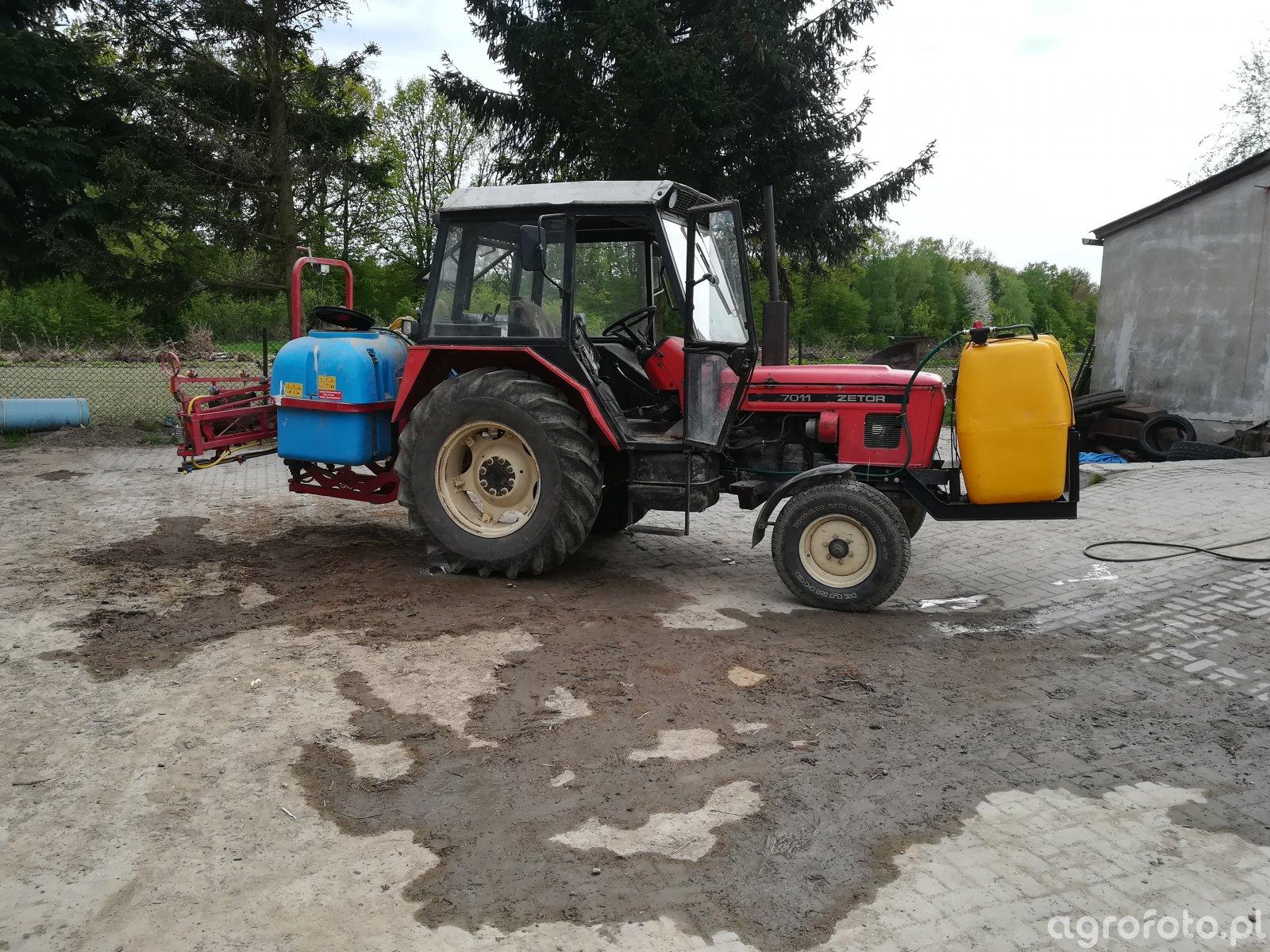 Zetor 7011 zbiornik na wode 400l i birdzik 800l