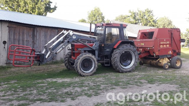 Case 856xl & New Holland 644