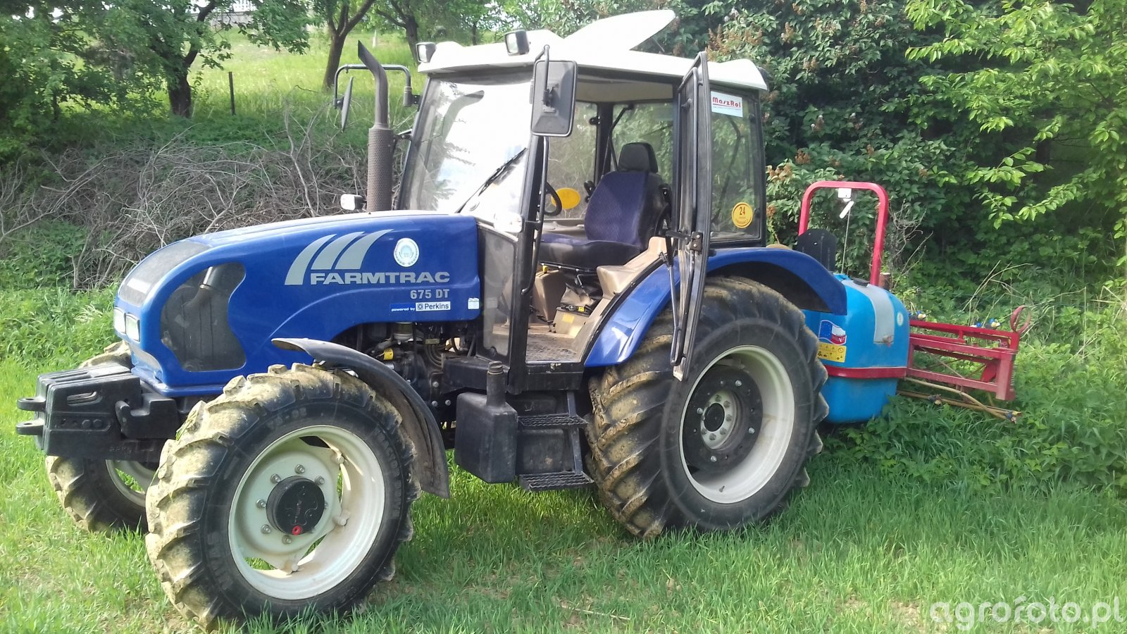 Farmtrac 675 DT Biardzki 600 l