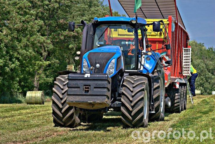 New Holland T8.390 + Pöttinger Jumbo 10010 Combiline