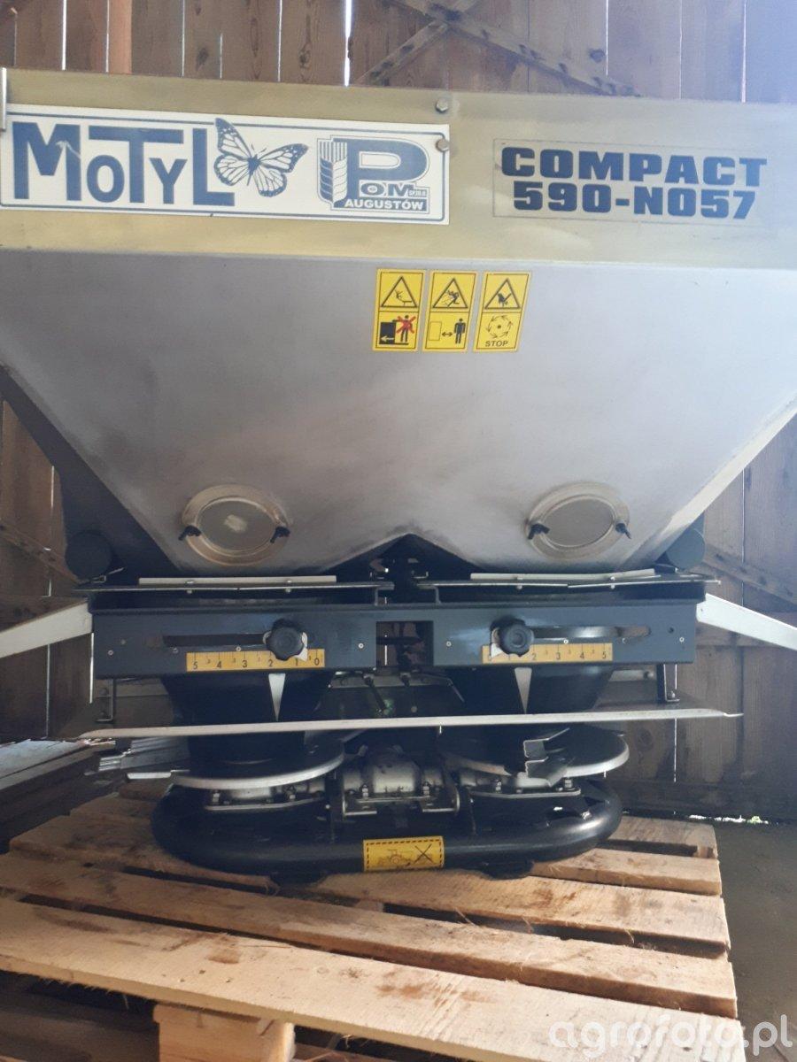 Motyl compact